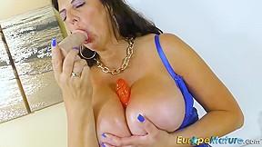 Pussy licked brunette sucks