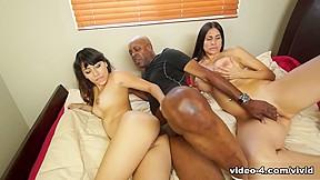 Hot interracial kissing video