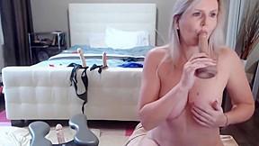 Milf huge tits hole