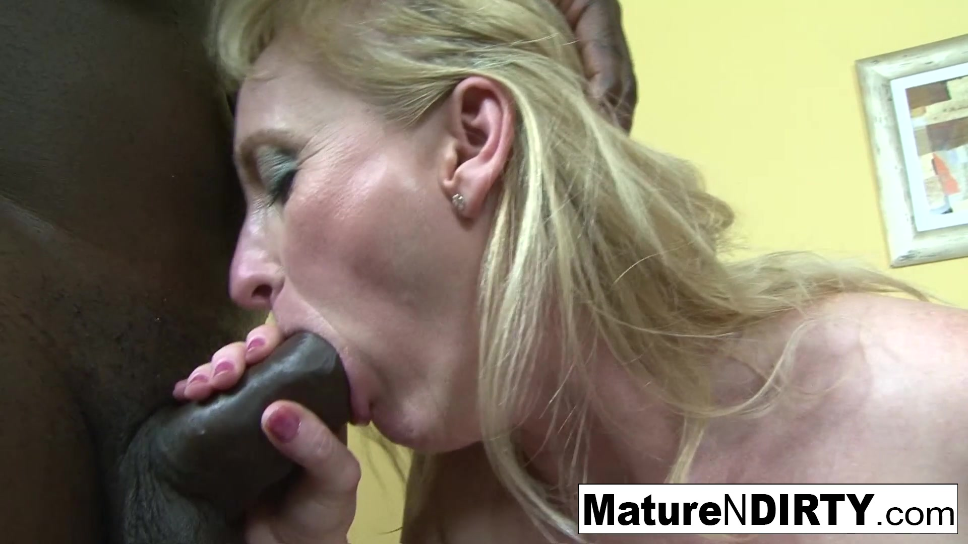 Mature Blond Tube