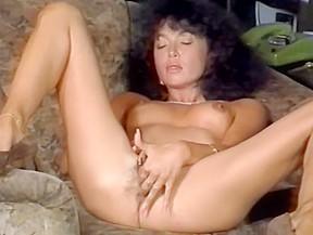 Free video clips brunette screeming fucking