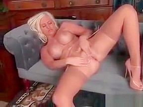 Mature blonde milf pics