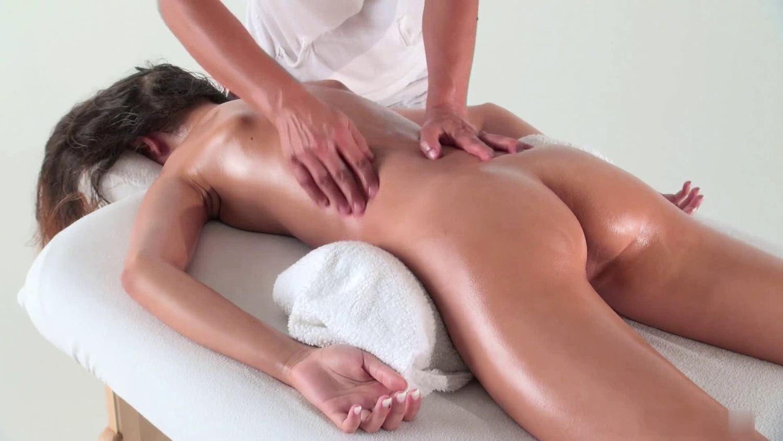 porno-video-spetsialist-po-intimnomu-massazhu