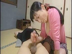 北原夏美 「絶対に行かせないわ!」出家したいと言い出した息子を引き留めるために近親SEXしちゃう熟女母!
