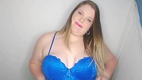 Milf large pussy lips