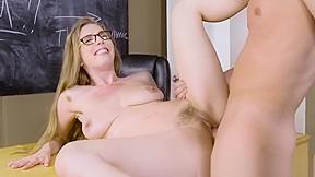 Blonde masturbate in taxi