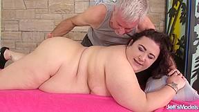 Big booty mamas masturbation