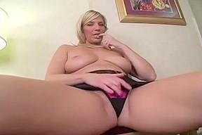 Pussy licking pics lesbian