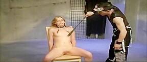 Amateur masturbate in front of girl