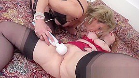 Lesbian mom wants daughters strapon