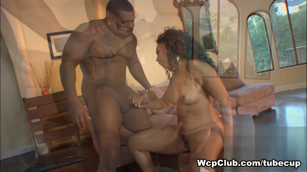 Anita Peida, Rico Strong in Its Lunch Time, Boy Video