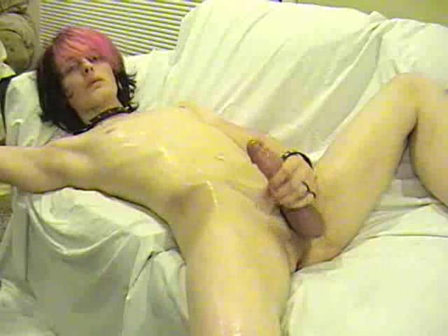 Emo crossdresser masturbating big cock