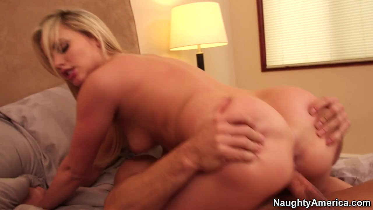 Mia Malkova & Johnny Castle in My Sisters Hot Friend