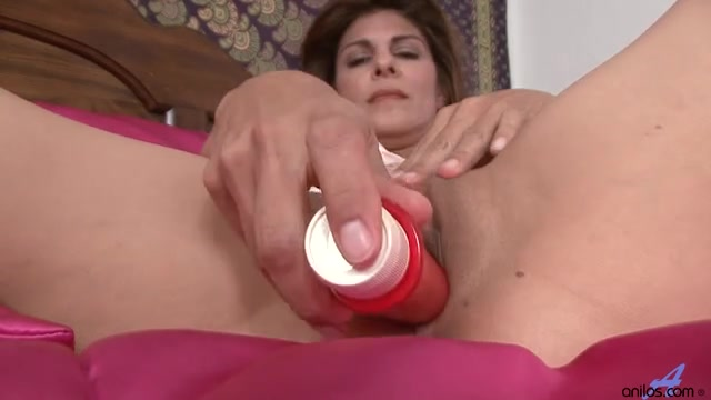 Mother I'd Like To Fuck closeup vagina masturbation