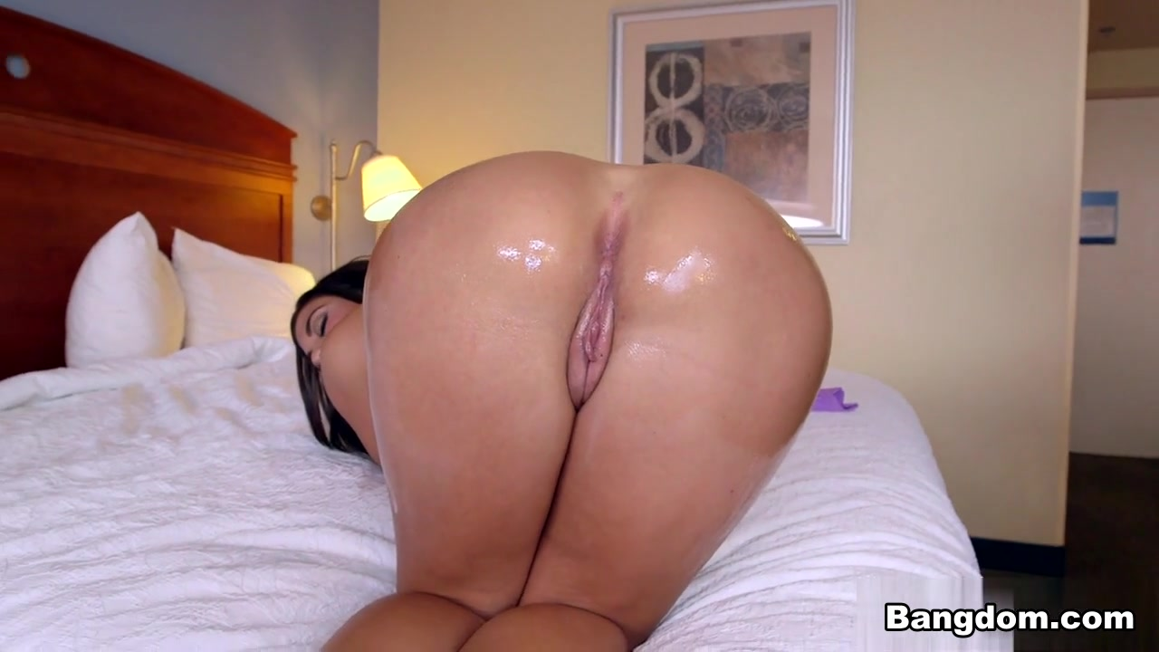 Alexa Pierce in Hot Latina bounces her big ass on dick Video
