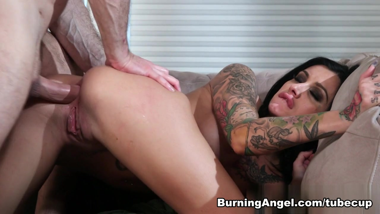 Joanna Angel & John Strong & Alby Rydes in How The Grinch Gaped Christmas - Chapter 3 Scene