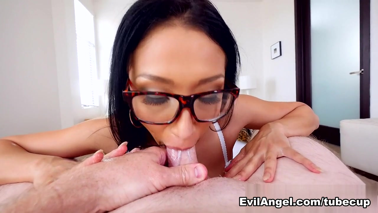 Vicki Chase & Winston Burbank & Jonni Darkko in Jizz My Glasses Scene