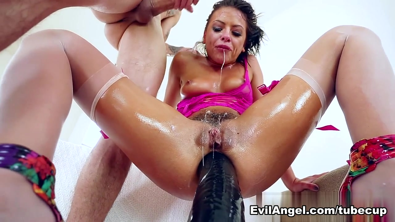 Adriana Chechik & Criss Strokes in Anal Angels Video