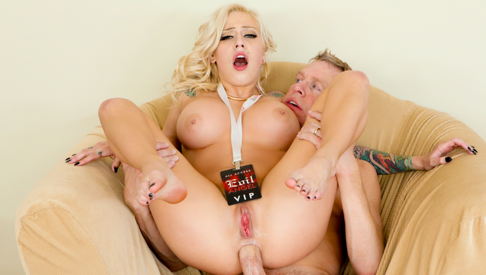 Black Blonde Anal Squirt