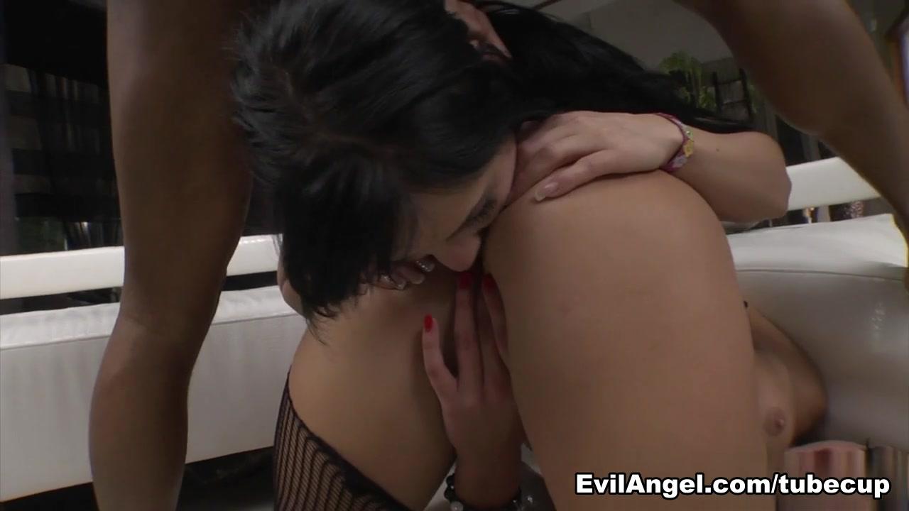 Ivana Sugar,Anastasia Brill,Kid Jamaica in Girls Vs MILFs, Scene #03