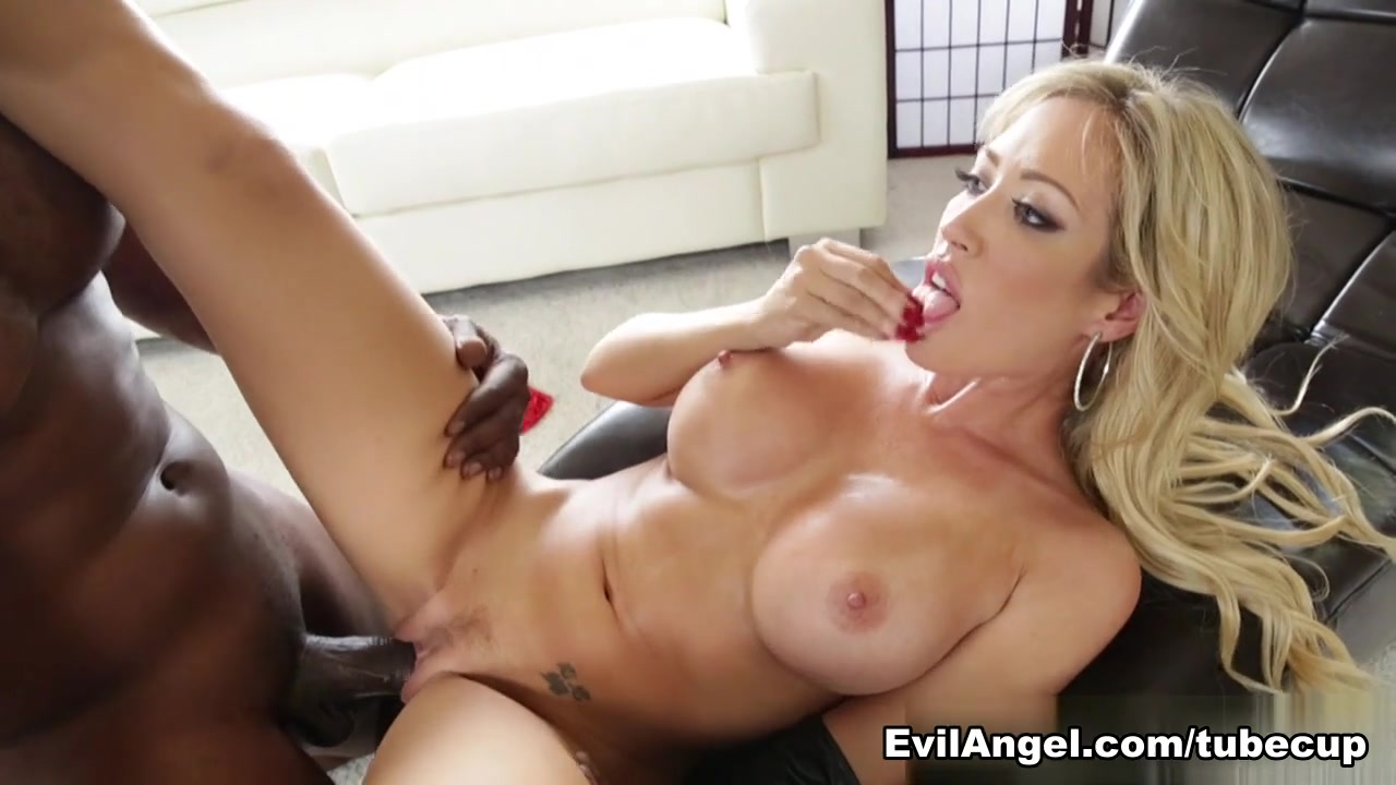 Capri Cavanni,Lexington Steele in Lex's Breast Fest #03, Scene #01