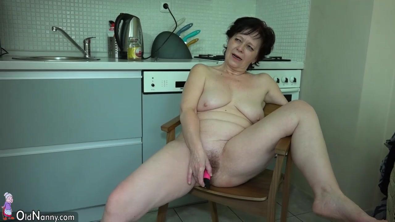 Зрелые волосатые женщины мокро дрочат друг друга, фото больших грудей жопу