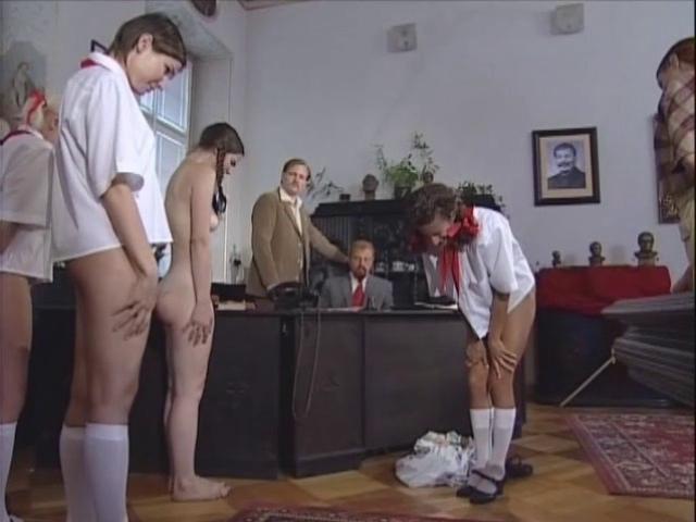 Эротика фотогалереи секретарши служанки вожатые экзекуция порка