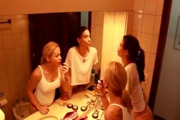 Lohanny Brandao Adriana Rodrigues in the mirror Pt 1