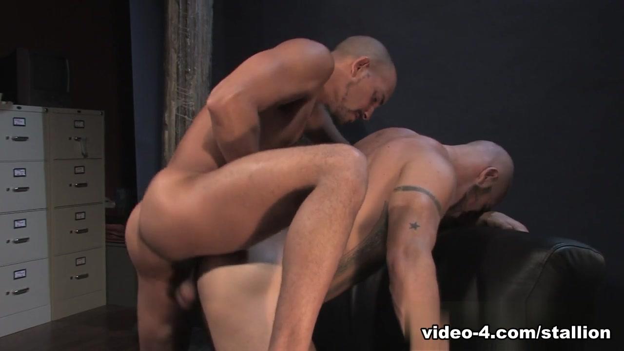 Antonio Biaggi & Aitor Crash in On The Job - Part 01, Scene #01