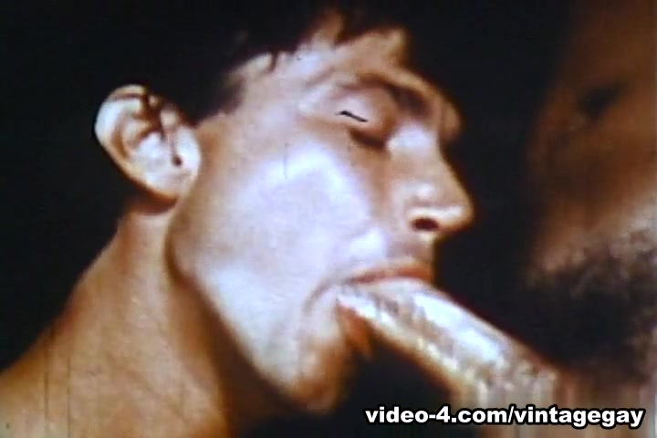 VintageGayLoops Video: Gymnasium Threesome