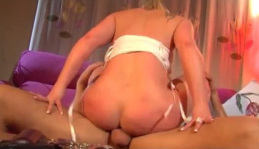 Blonde hottie Anastasia Mayo gets a proper fuck