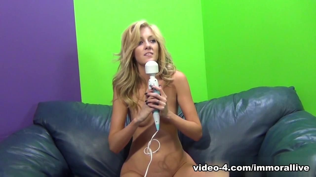 ImmoralLive Video: Emily Kae