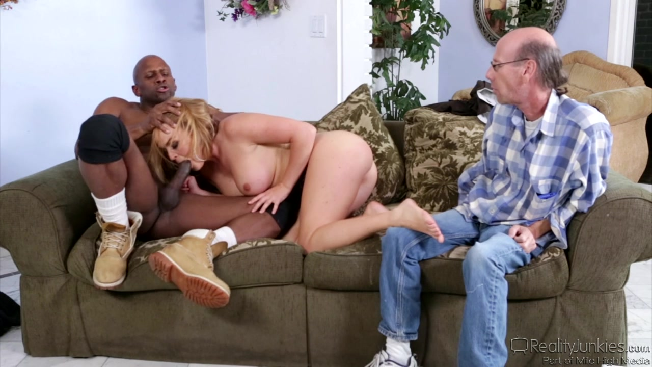 Blonde with big tits sucks a veiny ebony rod