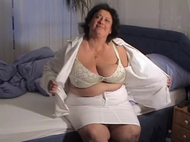 Huge hanging mature tits