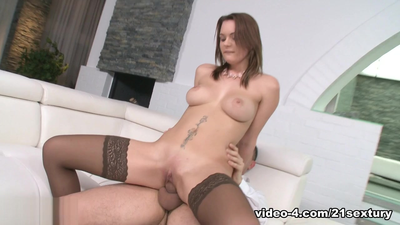 Emily Thorne in Sex And Romance - 21Sextury