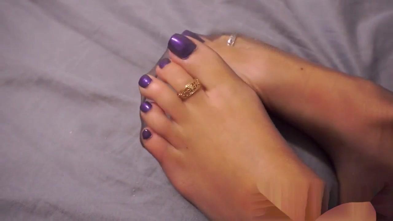 Goddess nylom feet