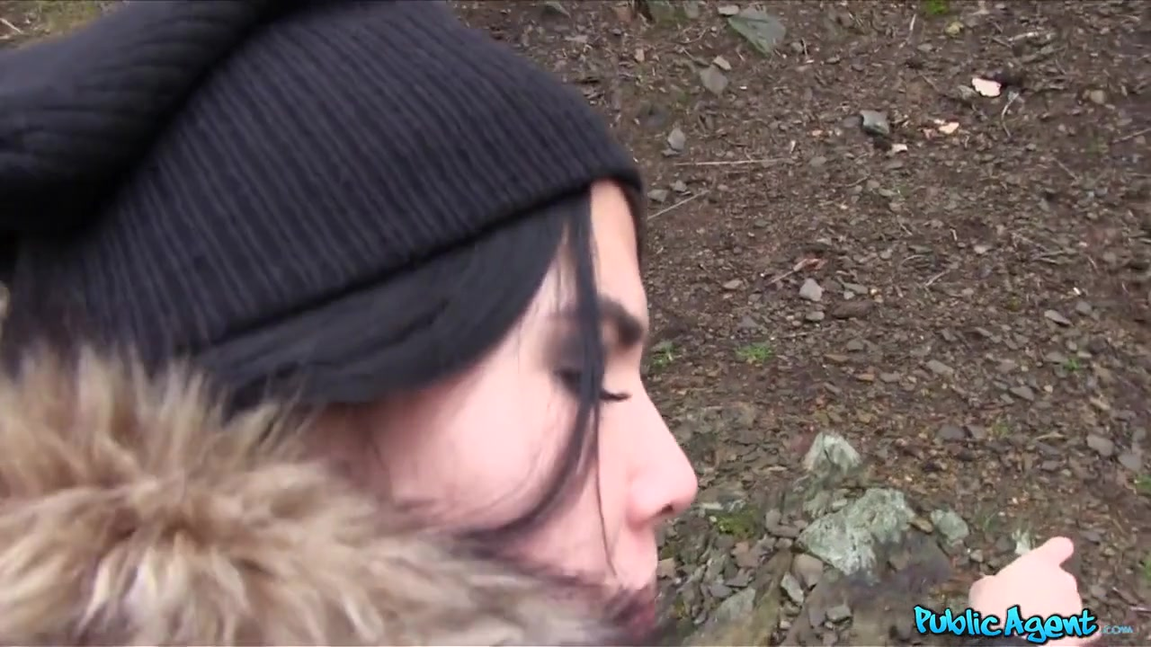 Lady in Emo chick has sex in the woods - PublicAgent