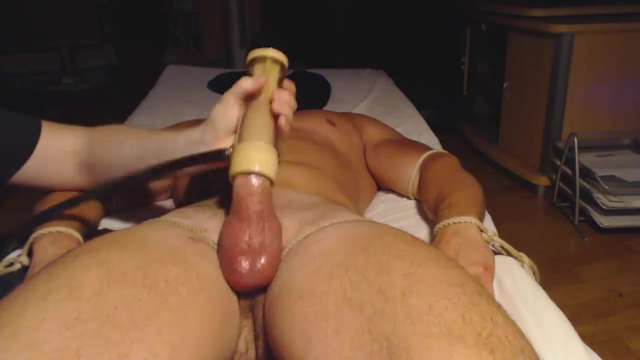 VENUS 2000 MILKER me tease and drain a sexy hung muscle bull
