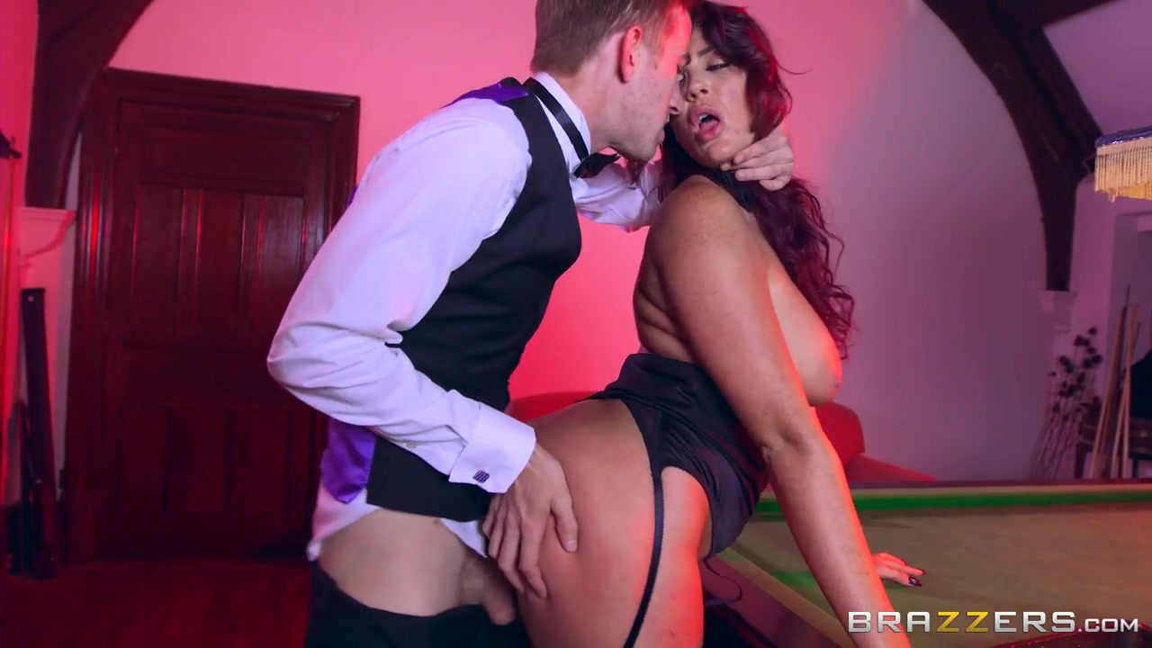 Emma Leigh & Danny D in Sink the Pink - Brazzers