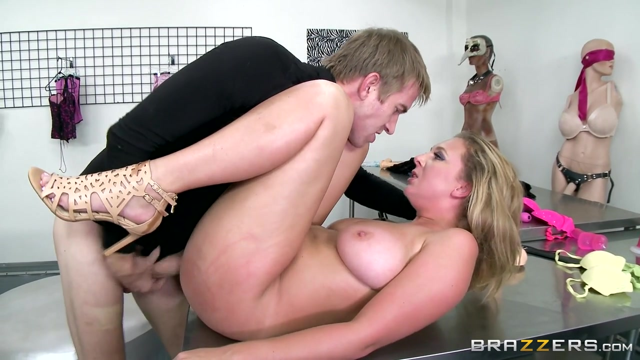 Brooke Wylde & Danny D in Be My Mannequin - Brazzers