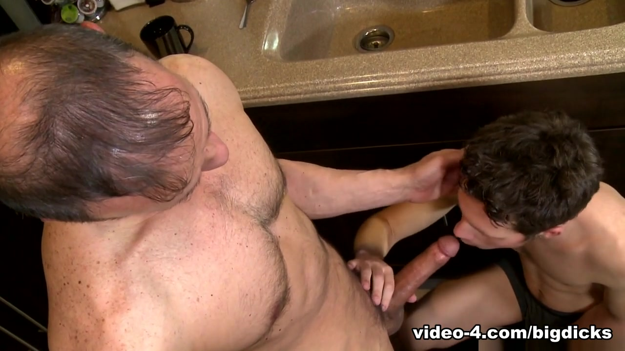 Mark Winters & Rodney Steele in My Son's Friend Video - ExtraBigDicks