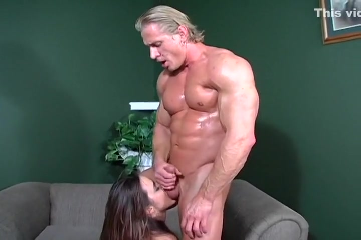 Toned Muscle Stud Rips Apart Young Poon