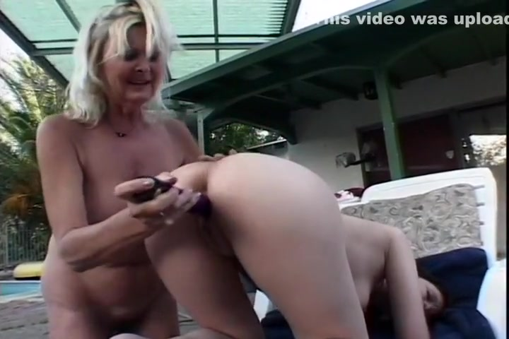 Sexy Violet And Anastasia Playing With Their Dildo