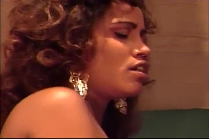Black Lesbian Licking Ebony Hairy Cunt