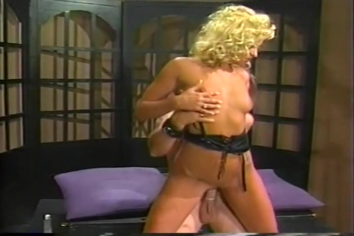 Classic Porn Blond in Leather