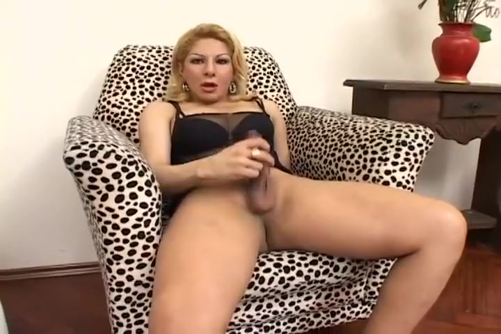 Sweet Tranny Masturbation and Fuck