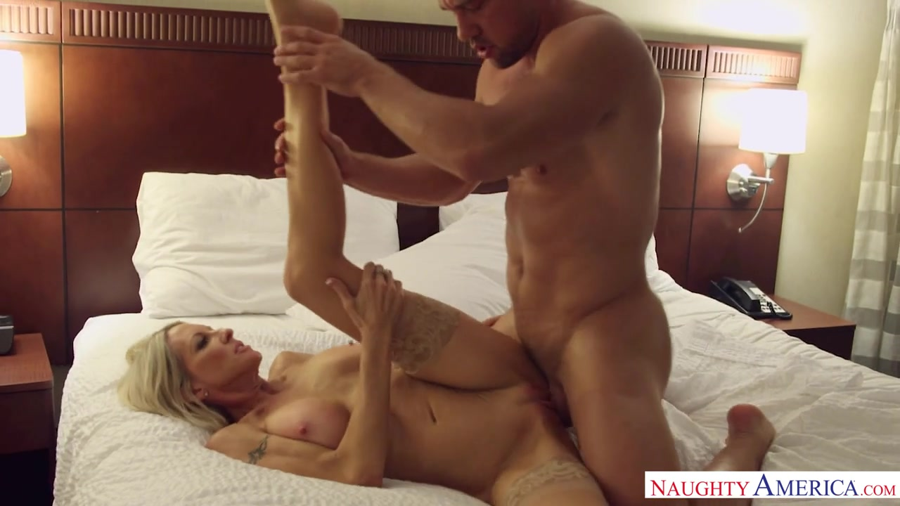 Emma Starr & Johnny Castle - TonightsGirlfriend