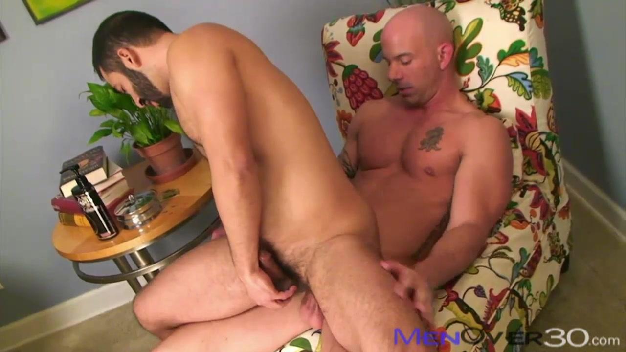 MenOver30 Video: Brock N' Roll