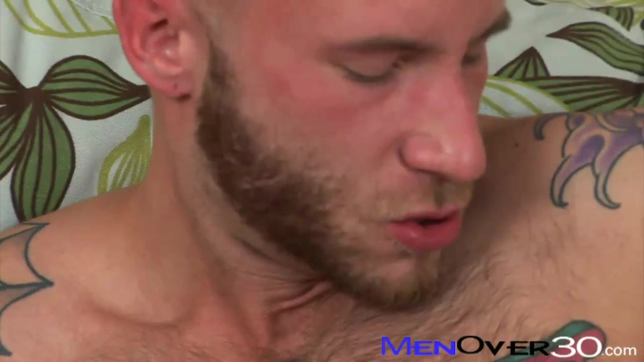 MenOver30 Video: DareOn Stevens