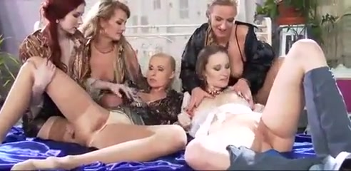 Lesbians Pissing 18